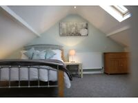 Room to rent in a Lovely and Large 6 bedroomed House-Newcastle Under Lyme