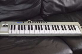 NOVATION USB 49 LE KEYBOARD WITH USB CABLE