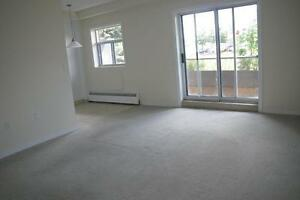 3063 Kingsway Drive - Two Bedroom Apartment Apartment for Rent Kitchener / Waterloo Kitchener Area image 4