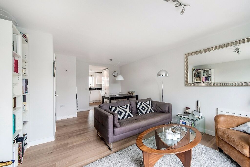 Wharncliffe Mews, SW4 - A stunning one bedroom apartment moments from the Abbeville Village