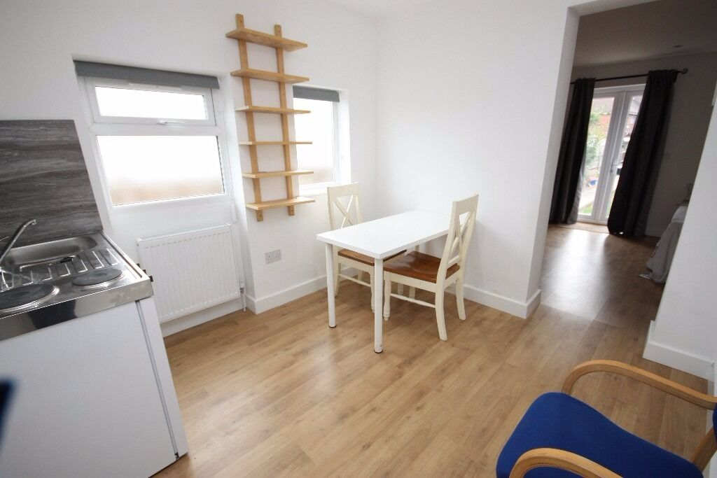 Including Bills! Newly Refurbished One Bedroom Ground Floor Flat Close to East Acton station, W3