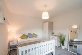 1 bedroom in Pickmere Close, Droylsden, Manchester, M43