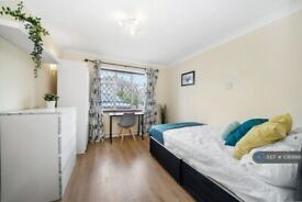 1 bedroom in Willow Tree Close, Hayes, UB4 (#1069918)