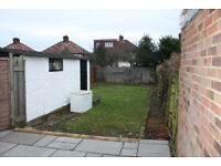A BRAND NEW REFURBISHED, MODERN, 3 BEDROOM HOUSE WITH GARAGE, DRIVEWAY & LARGE REAR GARDEN EDGWARE