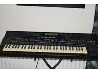 YAMAHA PSR-2700 KEYBOARD 61 KEYS WITH STAND CAN BE SEEN WORKING