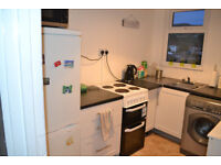 3 bed spacious flat to rent with good views in a sunny position