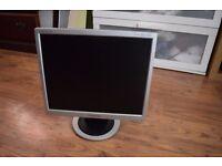 "17"" Flat LCD TFT Used Samsung Monitor - 4:3 Display Screen"