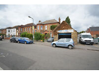 Lock up garage to let located in Goodmayes, Ilford IG3