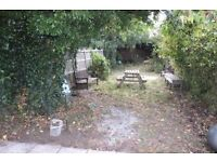 SPACIOUS 3 Bedroom House with A massive garden AVAILABLE NOW !! RM7 8AP ROMFORD £1,340