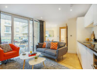 2 BR Apartment with Balcony in Limehouse Min 90 Nights £1699 + £250 Bills