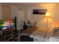 Amazing Short Let/ Holiday Apartment @ Woolwich/Greenwich