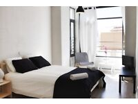 stunning double bedroom with ensuite-all facilities included-Malaga historical center