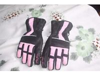 LADIES MEDIUM LEATHER & FABRIC MOTORCYCLE GLOVES