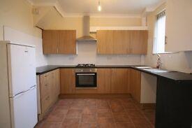 *FULLY REFURBISHED* Large 3 bedroom house available in Rainham, 5 Mins walk from Rainham Station.