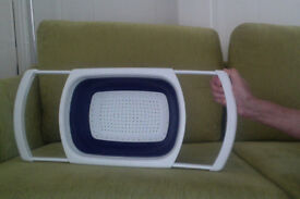 Colander / strainer that collapses and extends