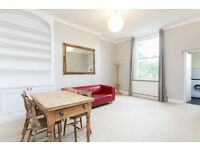 2 BEDROOM FLAT/SPACIOUS RECEPTION/FITTED KITCHEN/GOOD STORAGE THROUGHOUT/GREAT BROOK GREEN LOCATION