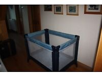 Mama and Papas Classic Travel Cot