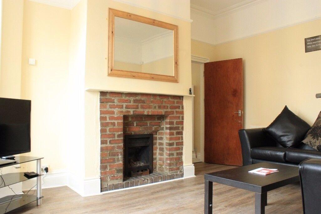 Six bedroom semi detached house on a popular street in Jesmond- Available July 2018