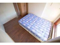 *Look* Double Room, Zone 4, Free WIFI & Cleaning *Must See*