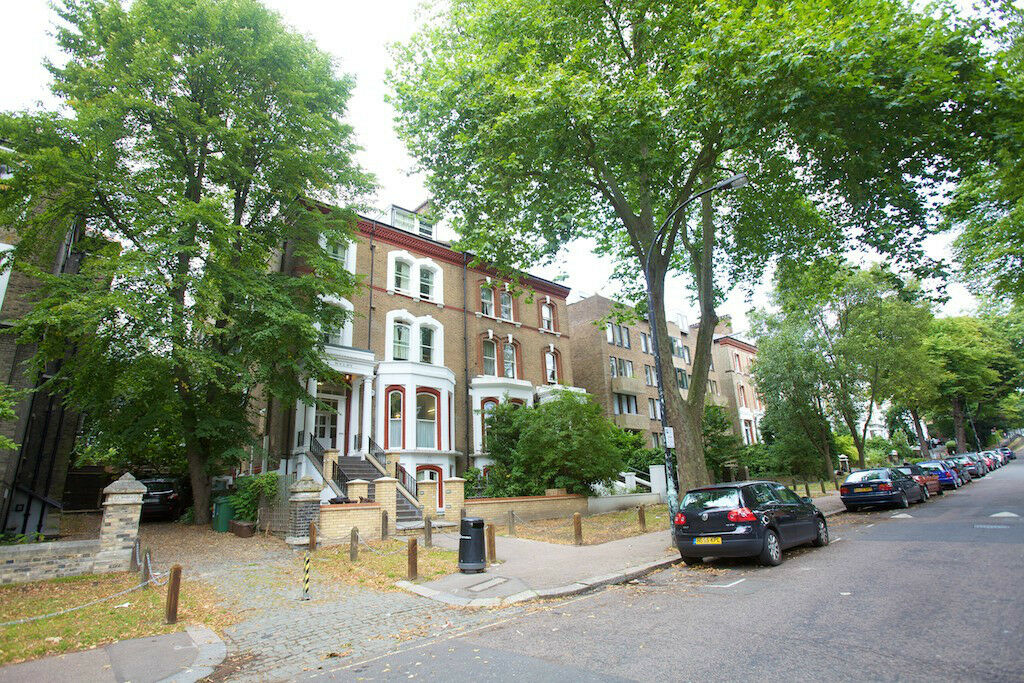 Selection of self-contained studio flats , close to Belsize Park Tube- Belsize Avenue NW3