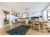 *** Three Bedroom Two Bathroom Sub Penthouse Apartment Close To Cutty Sark With Parking ***