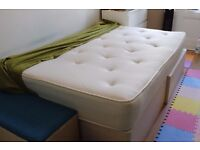 Second hand, Used Double Bed Size 9 '' Mattresses in Excellent Condition