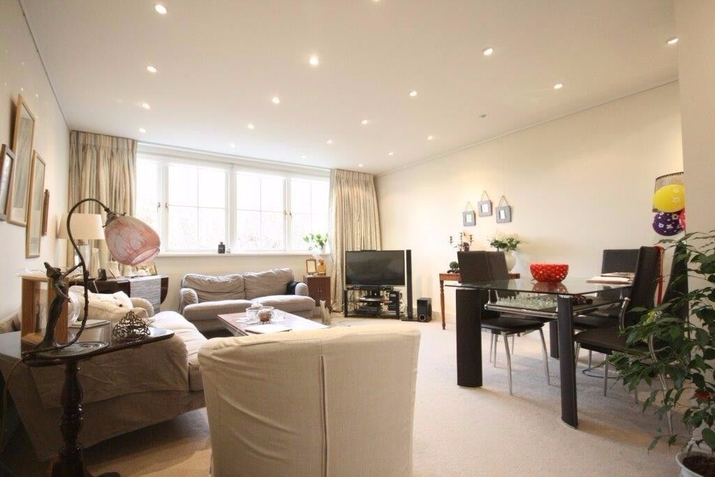 Stunning three bedroom lateral penthouse that is light,spacious and has views across Holland Park