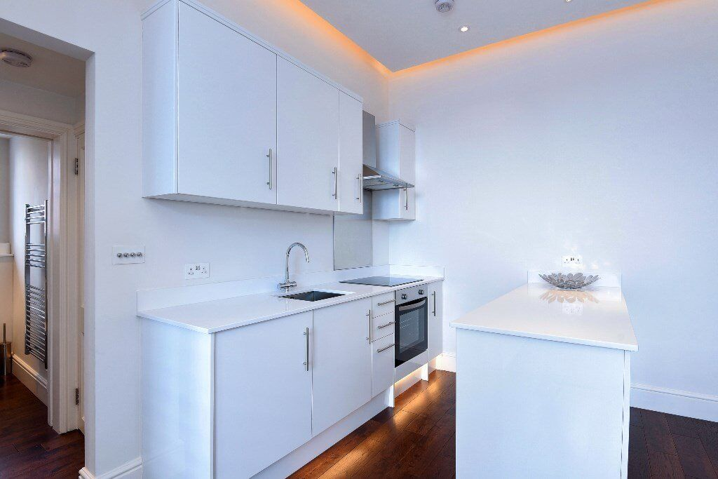 ABB - A beautiful newly refurbished one double bedroom flat to rent in West Hampstead