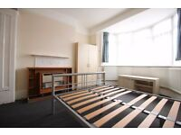 2 Bed Flat to Rent - Ideal for Students/Sharers - Close to Dollis Hill Jubilee Line Station in NW10