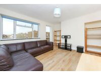 LARGE THREE BEDROOM APARTMENT WITH PRIVATE BALCONY - SHORT WALK TO FINSBURY PARK STATION. CALL NOW!!