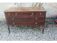 Vintage chest od drawers/dresser