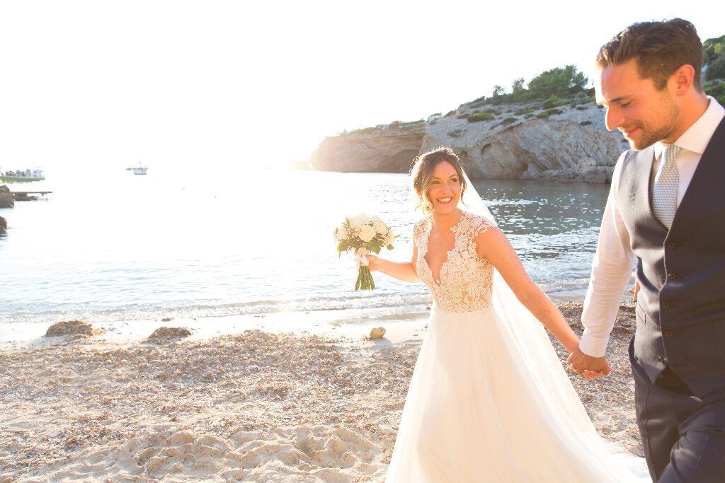 Lillian West - Boho Style Wedding Dress - Style 6422 - UK Size 6 - Excellent Condition + dress box