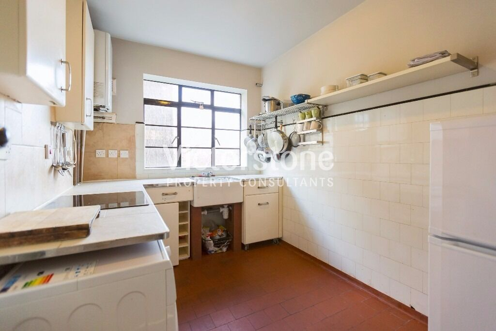 2 BEDROOM FLAT STEPNEY GREEN CEPHAS AVENUE £365 PER WEEK AVAILABLE NOW - SHOREDITCH WHITECHAPEL
