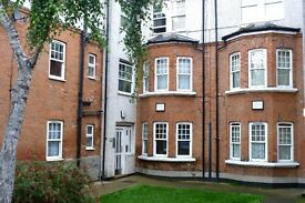 Beautiful 3 bedroom flat close to Willesden Green Tube station, Willesden Library & local amenities