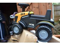 TOYS - JCB TRACTOR / SCOOTER
