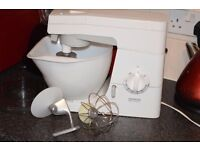 KENWOOD CHEF CAKE MIXER 8 SPEED WITH ALL FITTINGS CAN SEE WORKING