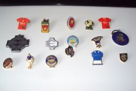 16 Liverpool/Linfield/Rangers Football Badges & collectables