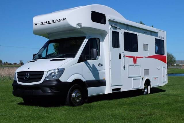 2016 Winnebago Balmoral Motorhome Campervans