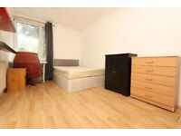 LOVELY DOUBLE ROOM TO RENT IN VICTORIA--NO DEPOSIT--(67 Hitchin)