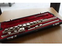 Yamaha YFL211N flute and case
