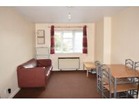 *** FURNISHED 1 BEDROOM FLAT HOUNSLOW CENTRAL STATION £895 PCM *** - AVAILABLE IMMEDIATELY