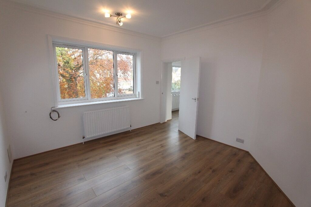 BRAND NEW Spacious, Bright, Quiet THREE BED 1st Floor Flat with Communal Garden - Bridge Lane, NW11