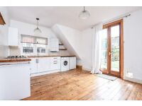 Quinton Street, SW18 - A spacious two double bedroom maisonette with private garden - £1650pcm