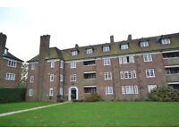 2 bedroom flat in Lyttelton Road, East Finchley, N2