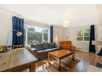 Bright and spacious 3-bedroom apartment in Brixton.