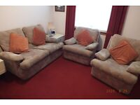 Vintage 3-piece suite, reasonably well used but still good condition