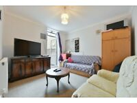 Spacious one bedroom flat with a private patio area moments from Stratford LT REF: 1635961