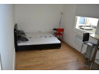 SB Lets are delighted to offer a large 1st floor studio flat. Ideally located in Central Brighton