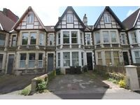 Good sized 2 bedroom flat on Coronation road with a private garden and parking!
