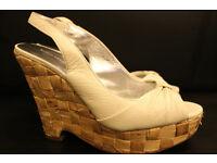 BANANA REPUBLIC Ladies Cream Wedge Heel Shoes Size 5